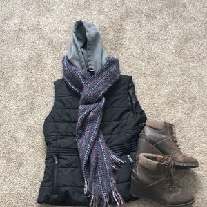 Jackets & Blazers - Black quilted vest with good